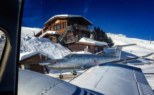 Parking-Courchevel-Restaurant-Le-Pilatus